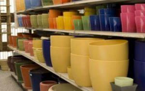 Livraison de pots en céramique et en verre